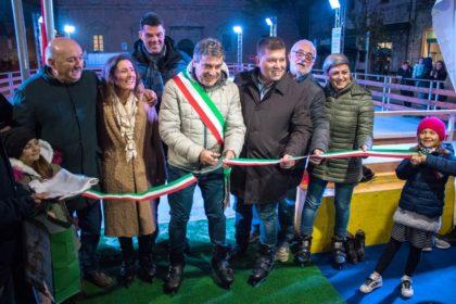 Natale a Fano, inaugurate le prime attrazioni. Domenica accensione dell'albero in diretta su FanoTV