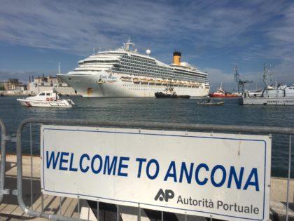 Ancona, arrivata la Costa Magica: sopralluogo e tamponi da mercoledì